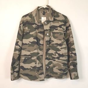 Divided Men's Camouflage Button Up Size XS
